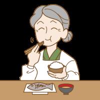 ごはんを食べるおばあちゃん